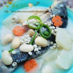 醇鲜扁豆米仁鱼汤的做法[图]