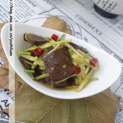 蒜黄炒血豆腐的做法[图]