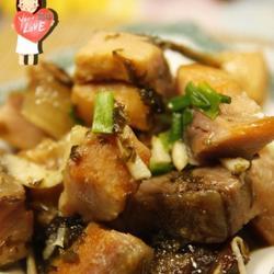 咸菜炒咸青鱼的做法[图]