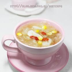荸荠玉米银耳羹的做法[图]