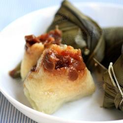葡萄干桂圆粽子的做法[图]