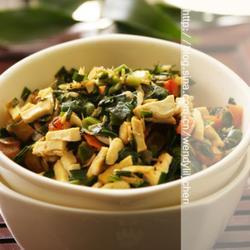 韭菜虾皮豆腐碎的做法[图]