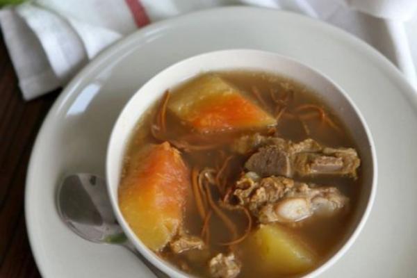 虫草花木瓜排骨汤