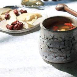 当归生姜红枣红糖茶的做法[图]