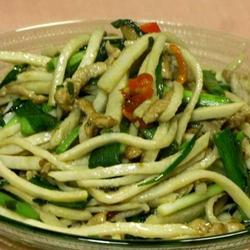 荔蒲芋头炒肉丝的做法[图]