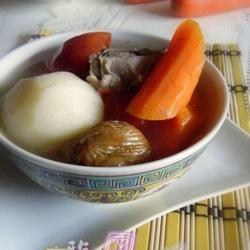 蕃茄红萝卜马铃薯瘦肉汤的做法[图]