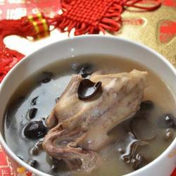 木耳鸽子汤的做法[图]