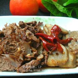 红焖牛肉芋头的做法[图]