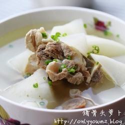 猪骨头萝卜汤的做法[图]