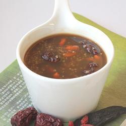 首乌红枣枸杞粥的做法[图]