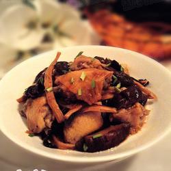香菇木耳黃花菜蒸雞翅的做法[圖]