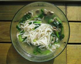 電飯煲青菜蘑菇肉絲面[圖]