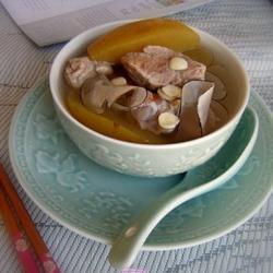 苹果雪梨海底椰猪腱汤的做法[图]