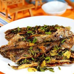 干煸香椿小黄鱼的做法[图]