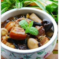 榛蘑杂焖五花肉的做法[图]