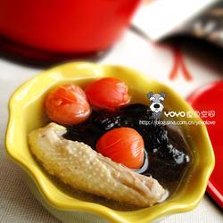 灵芝鸡翅番茄汤的做法[图]