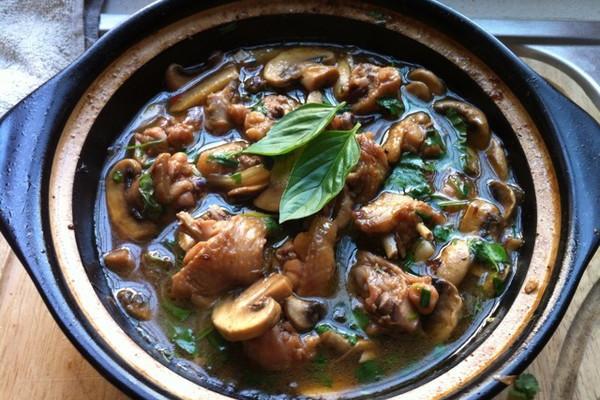 鸡翅炖蘑菇
