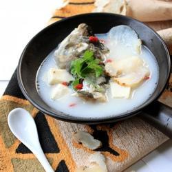 天麻鱼头汤的做法[图]