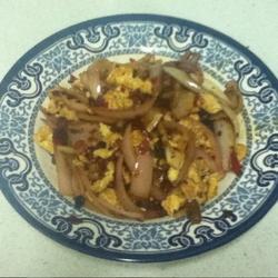 剁辣椒豆瓣酱洋葱炒鸡蛋的做法[图]