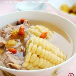 玉米板栗排骨汤的做法[图]