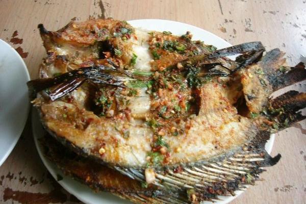 香茅草烤鱼
