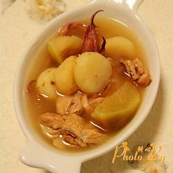 青萝卜马蹄鱿鱼汤的做法[图]