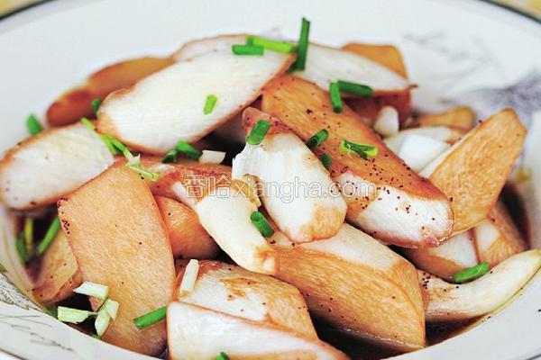 虾子焖茭白