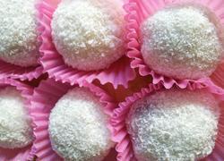 椰蓉红豆沙糯米团