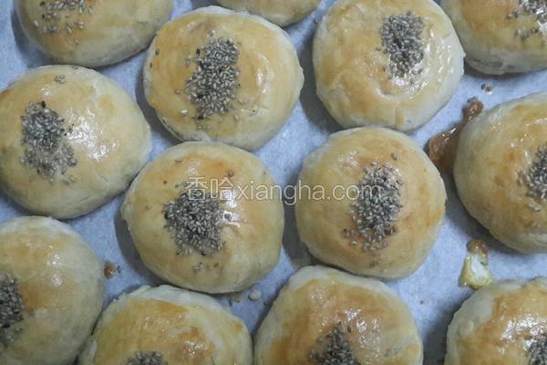 苏式蛋黄莲容月饼