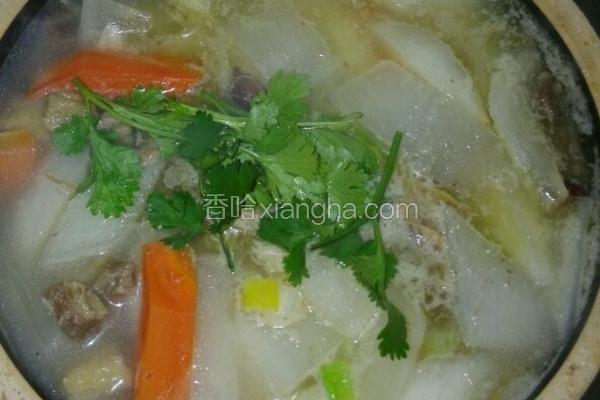 砂锅牛肉炖白萝卜