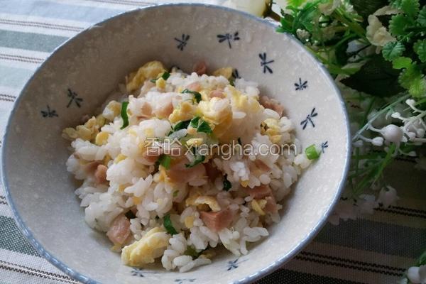 香葱菜圃蛋炒饭