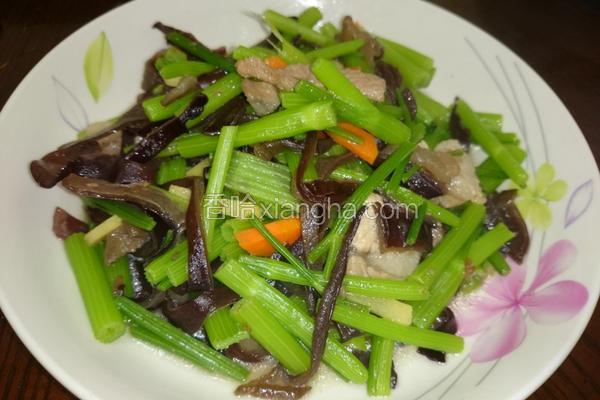 木耳炒芹菜