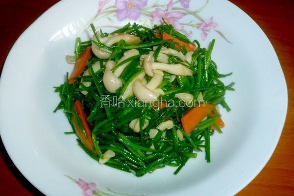 蒜香水莲炒菇