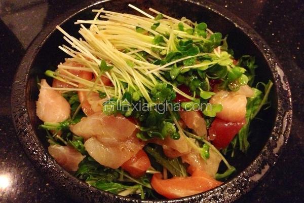 生鱼片沙拉