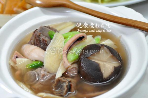 冬笋鱿鱼螺蒜汤