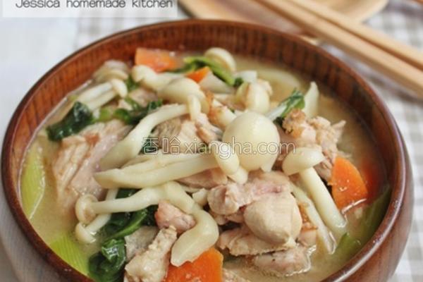 风味噌鸡肉菇菇汤