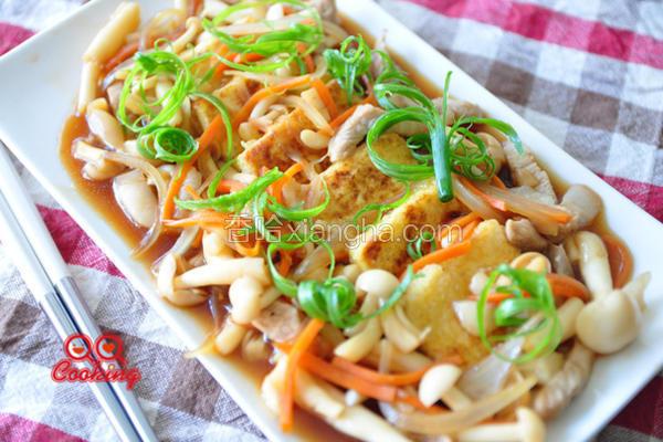 蚝油菇菇烩豆腐