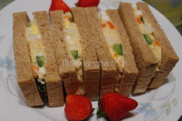 马铃薯沙拉三明治