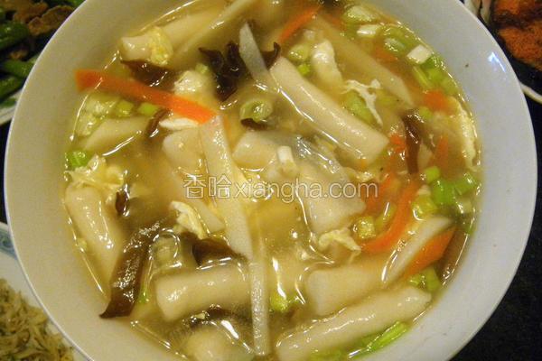 酸辣墨鱼饺汤