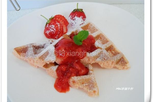 松饼佐草莓果酱