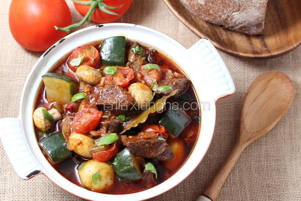 番茄蘑菇炖牛腩