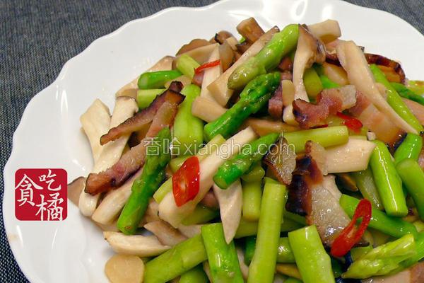 蒜辣芦笋炒菇条