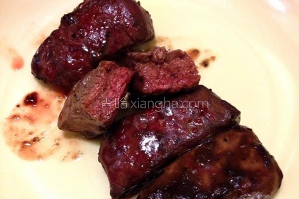 黑胡椒酱嫩烤牛排