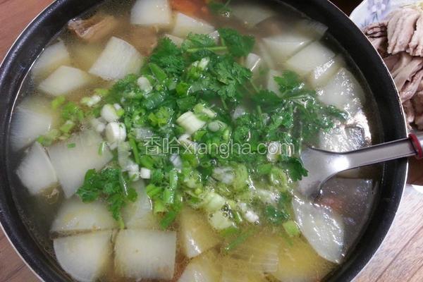 番茄萝卜牛腩汤