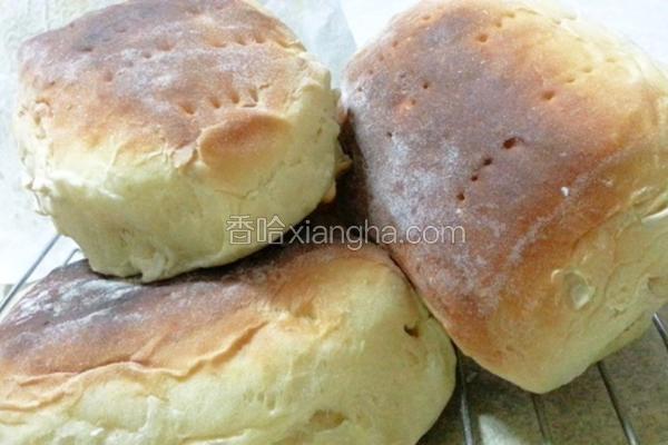 坚果牛奶面包
