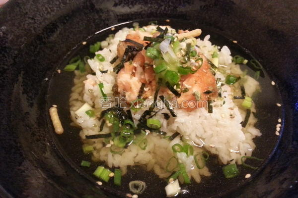 鲑鱼泡饭的做法