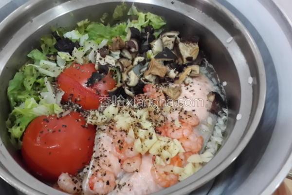 鲑鱼虾仁番茄饭