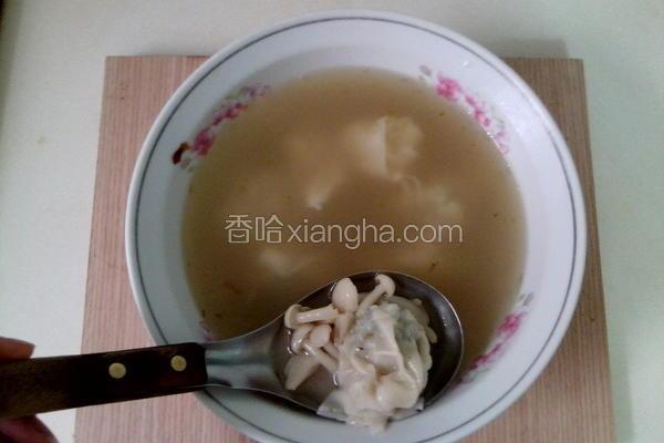 馄饨雪菇汤