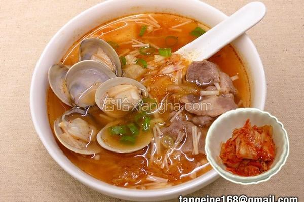 泡菜金针菇蛤蜊汤