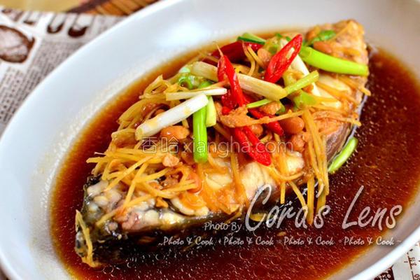 豆酱姜丝煮海鲈鱼